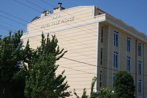 . Hotel Kale Palace