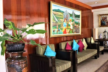 ZEN ROOMS VEST GRAND SUITES BOHOL Lobby Sitting Area