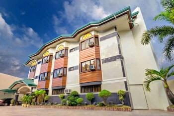 ZEN ROOMS VEST GRAND SUITES BOHOL Front of Property