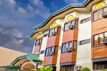 ZEN ROOMS VEST GRAND SUITES BOHOL Hotel Front