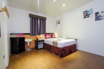 ZEN ROOMS BLUE DAWN STATION 3 Guestroom