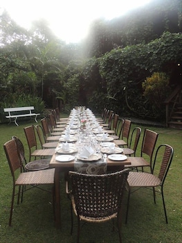 CHATEAU HESTIA Outdoor Dining
