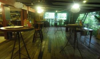 CHATEAU HESTIA Bar