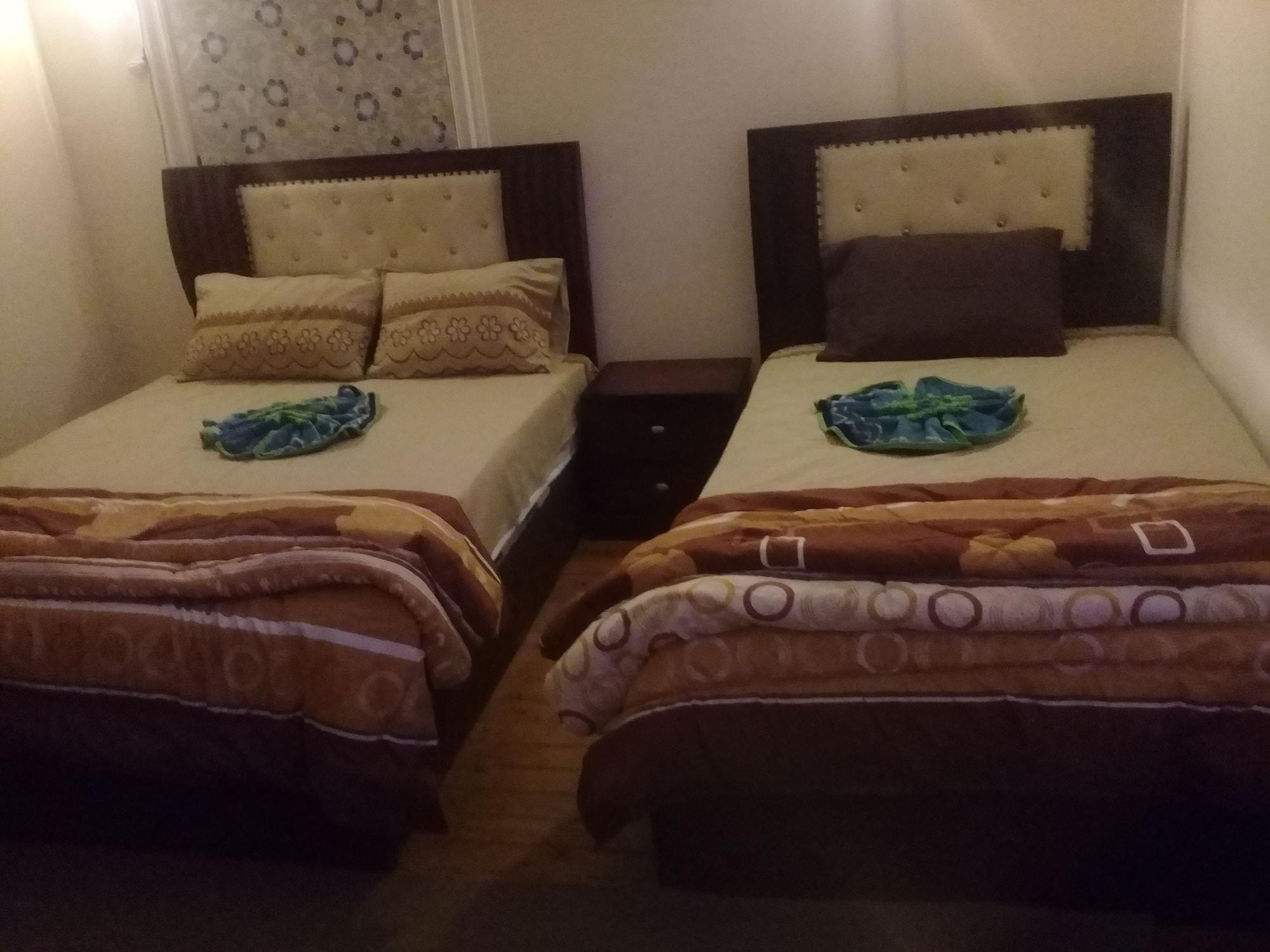 Nile plaza hostel, Qasr an-Nil