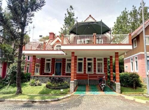 Villa Kota Bunga Blok R, Cianjur