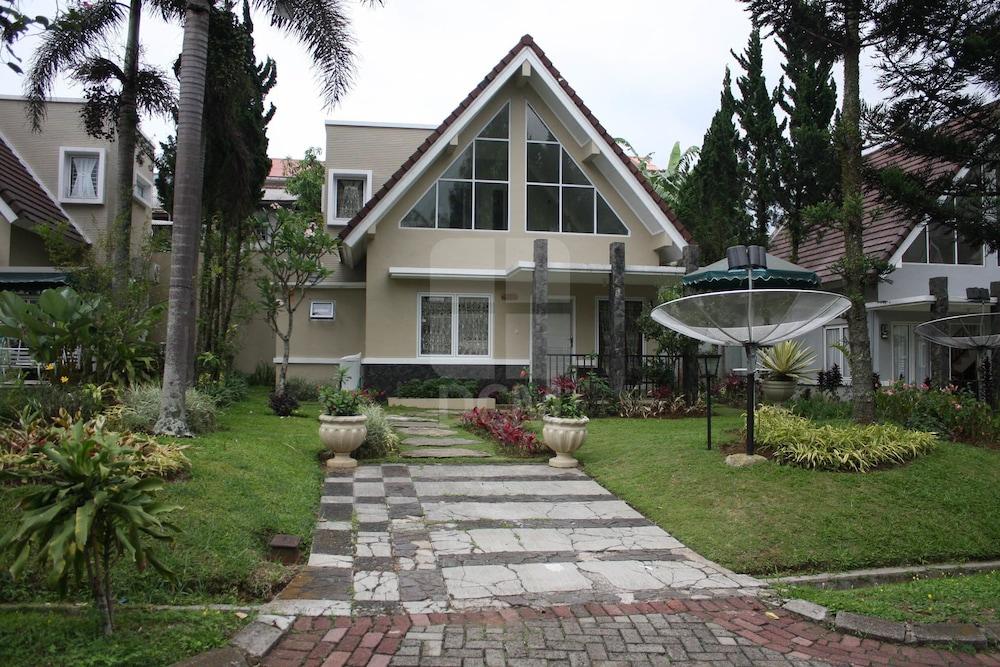 Villa Kota Bunga Blok FF, Cianjur
