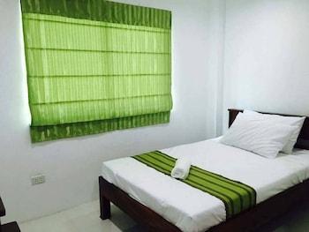 HOTEL LOLA NATIVIDAD Room