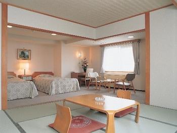 本館和洋室8畳 + ツイン (喫煙)|湯の川観光ホテル祥苑