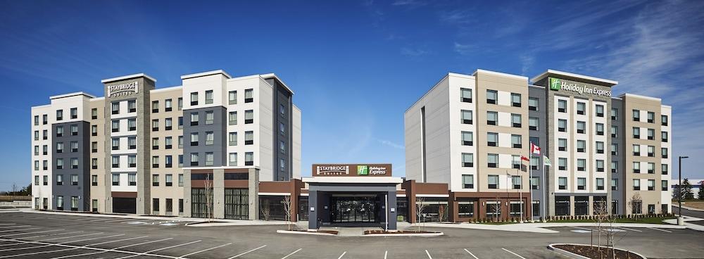 https://i.travelapi.com/hotels/22000000/21600000/21600000/21599984/d1c73040_z.jpg
