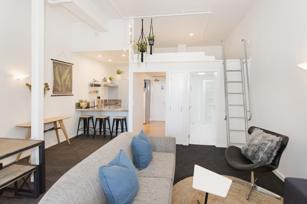 TOWNY - Urban Loft - Two Bedrooms
