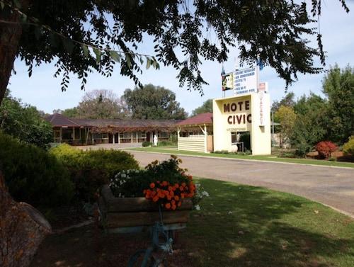 . Civic Motor Inn