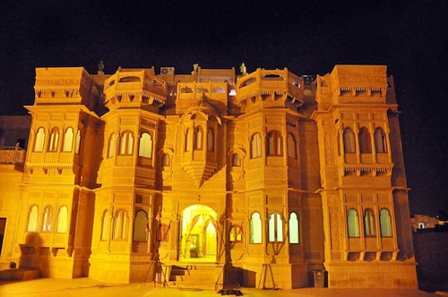 . Hotel Lal Garh Fort And Palace