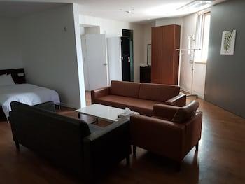 ゴールデン リバー ホテル