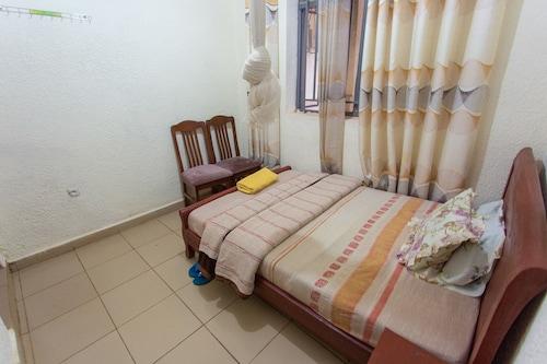 Medi Motel, Gasabo
