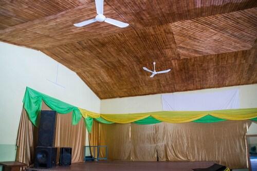 Tropical Suites Hotel, Arua Municipality