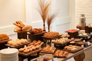 FELIZ HOTEL BORACAY Breakfast buffet