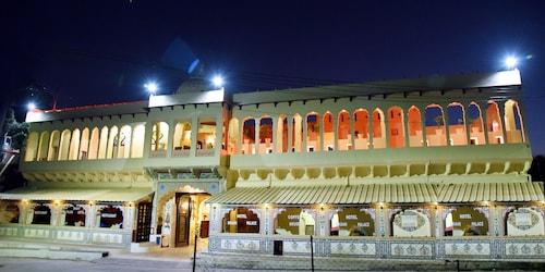 . shahi palace mandawa