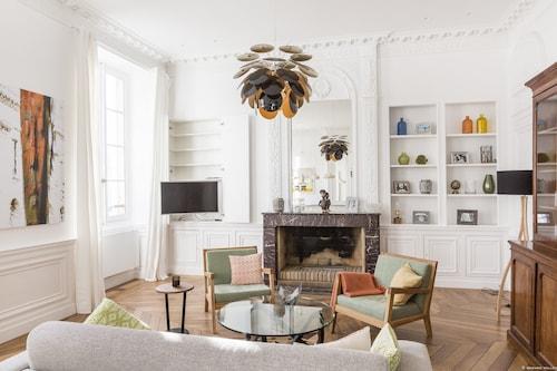 Intendance Magnifique appartement, Gironde