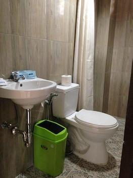 PAMANA BEACH RESORT Bathroom
