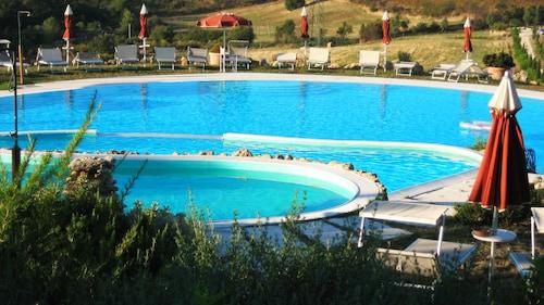 . Hotel Bagno Santo