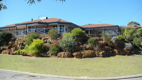 Albany Holiday House, Albany