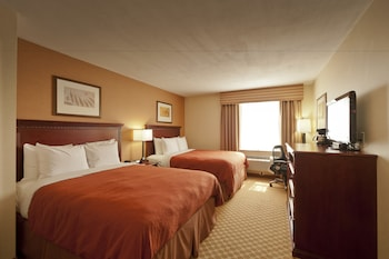 Guestroom at Queens County Inn & Suites in Long Island City