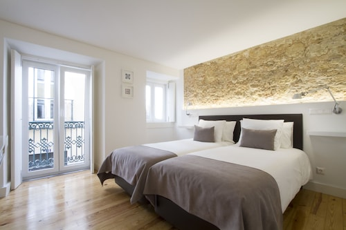 Boutique Flat Cris do Carmo by Apartments Alfama, Lisboa