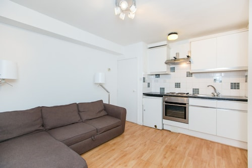 Cosy 1 Bed Apartment Near Oxford Street, Westminster
