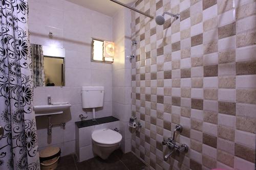 Hotel Galaxy Inn, Gandhinagar