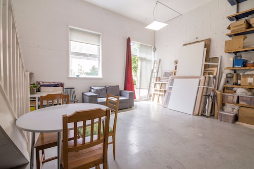 Studio Apartment London Fields, London