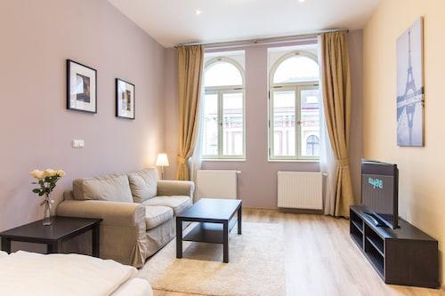 Machova Apartment, Praha 2