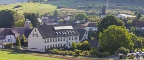 . Landidyll Hotel-Restaurant Klostermühle
