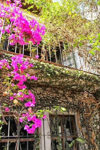 Baraka Antigua, Antigua Guatemala