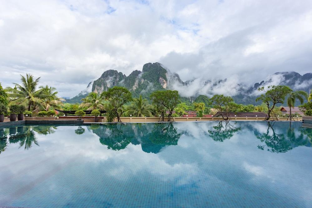 https://i.travelapi.com/hotels/22000000/21870000/21868000/21867927/1dc62acf_z.jpg