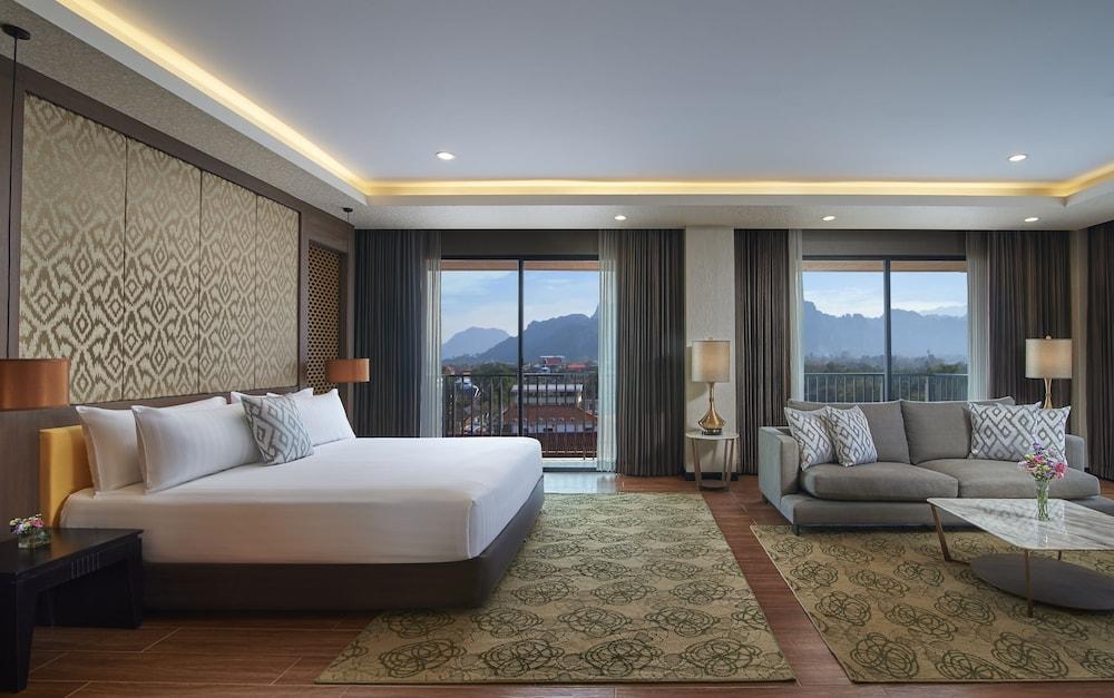 https://i.travelapi.com/hotels/22000000/21870000/21868000/21867927/88b6566d_z.jpg