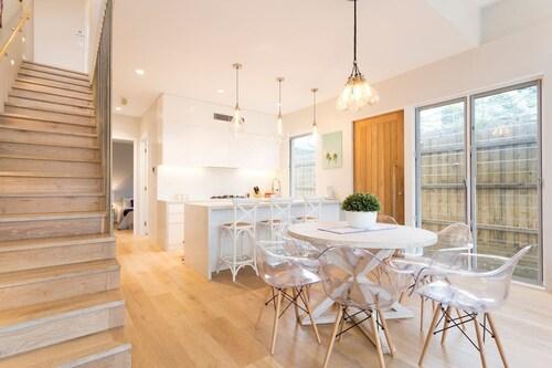 Luxurious Designer Home 8min walk to Bondi Beach, Waverley