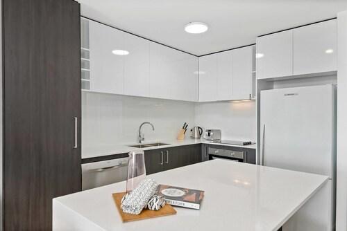 New Three Bedroom Designer Apartment, Southport