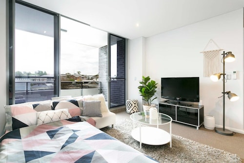 Boutique Sydney Apartment - Close to the Airport, Rockdale