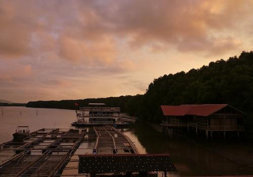 Bakau Hijau Riverlodge - Hostel, Kuala Muda