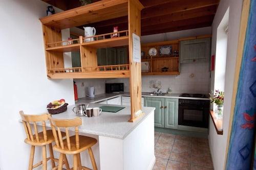 Achill Cottages no.4,