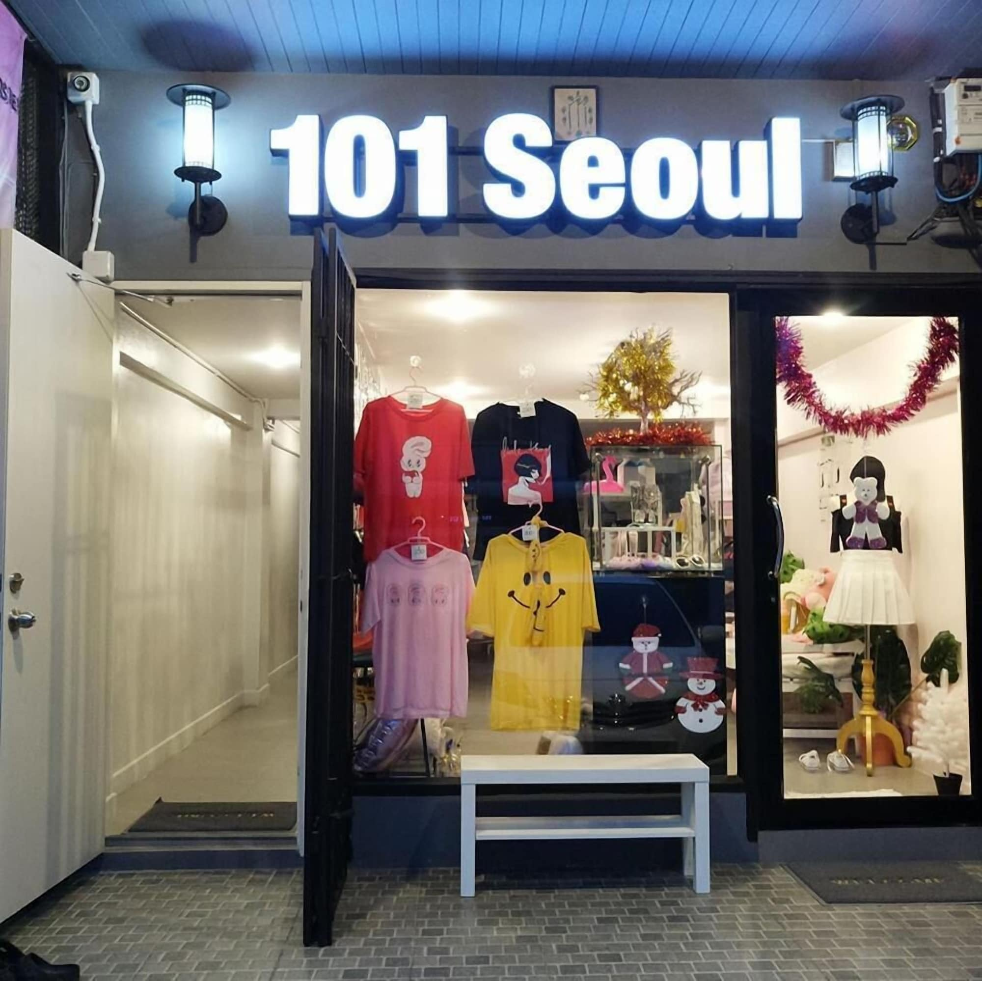 101 Seoul Hostel, Wang Thonglang