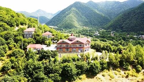 . Kungut Hotel & Resort