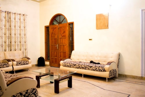 Luxurious guest house, Karachi