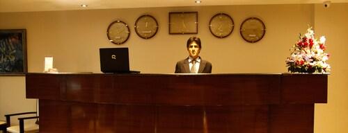 The Grand INN Hotel, Lahore