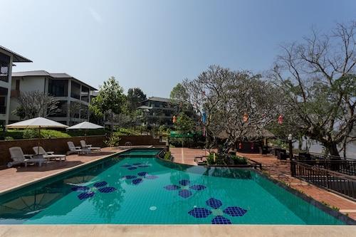 . Bansaeo Garden and Resort