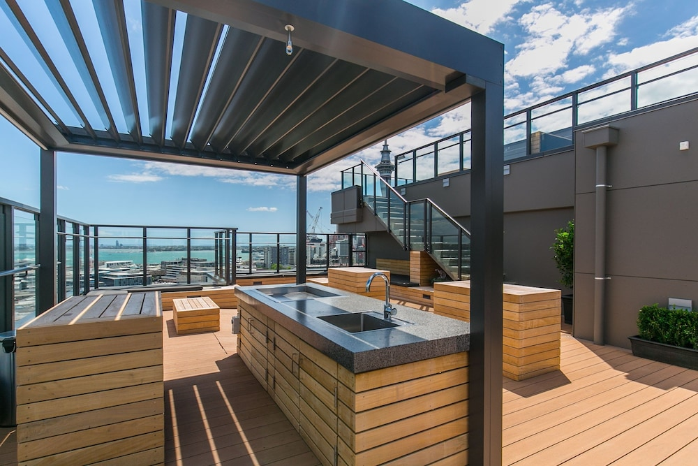 Penthouse with Access to Exclusive Rooftop Terrace
