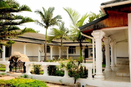 . Melunah Lodge