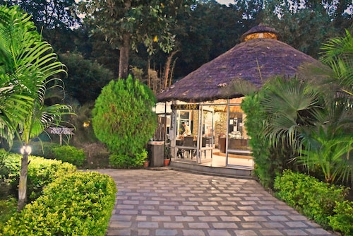 1589 Corbett Tiger Den Resort & Spa, Nainital
