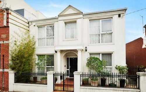 15 Charles Abbotsford Mansion - Hostel, Yarra - North