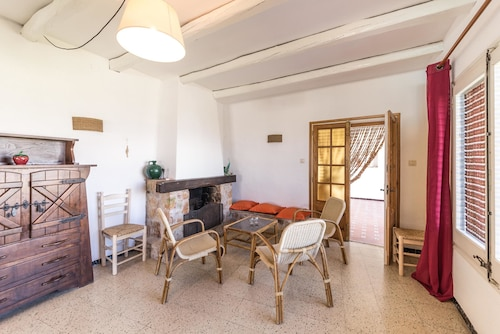 Villa Julia, Girona